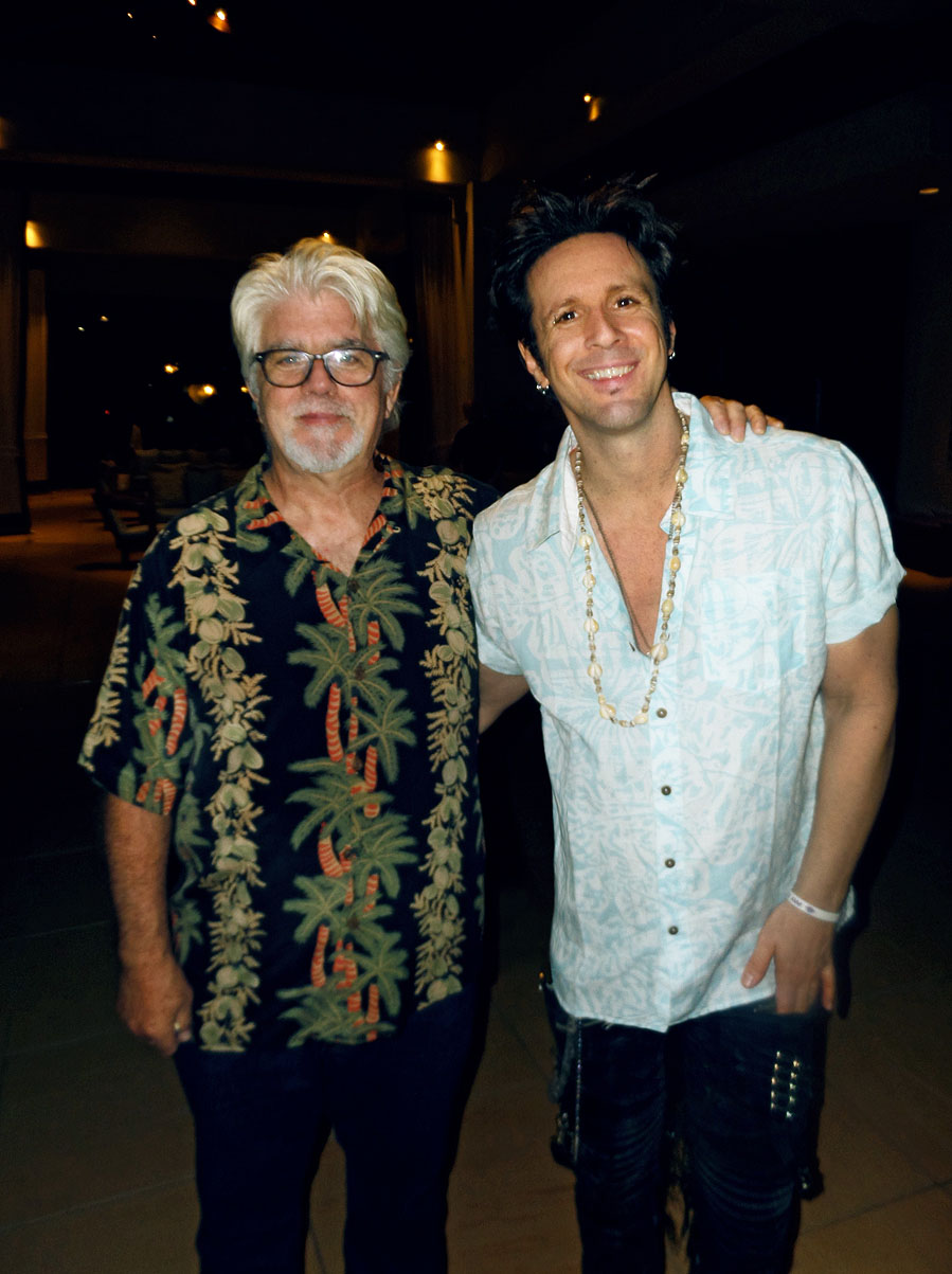 Glen performs with Michael McDonald at the Maui Food Drive concert benefit